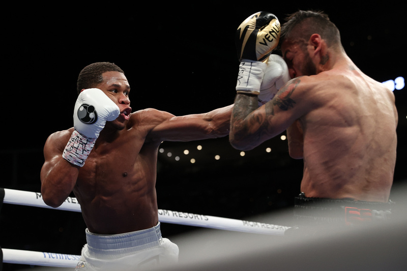 Boxing: Haney and Linares Fight Night