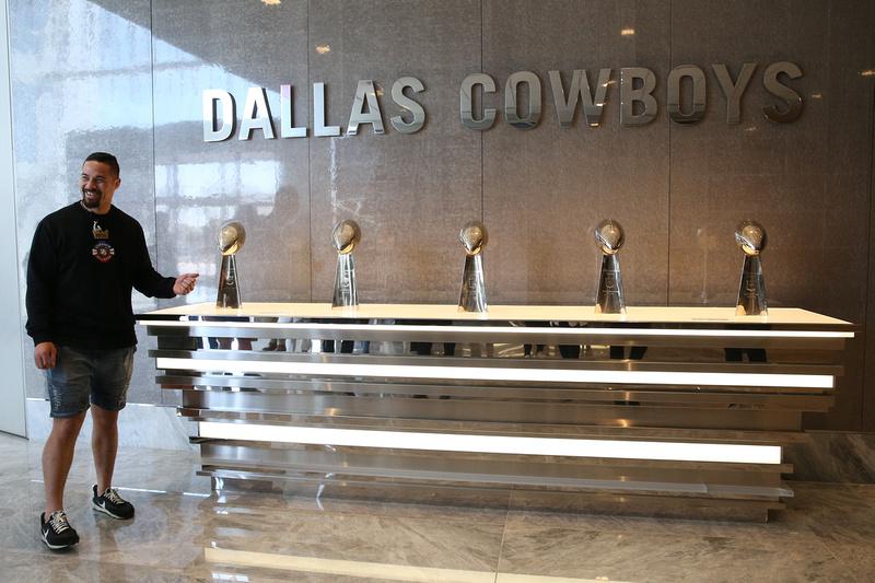 Boxing: Joseph Parker visits the Dallas Cowboys Training Facility